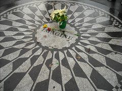 09 - Strawberry Fields a ricordo di Lennon