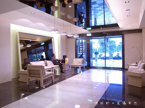 成旅晶贊飯店大廳與出口