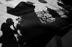 Auto Higienpolis, So Paulo, 2010 (Andr Spinola e Castro) Tags: blackandwhite bw selfportrait contrast shadows autoretrato pb contraste pretoebranco sombras higienpolis gro