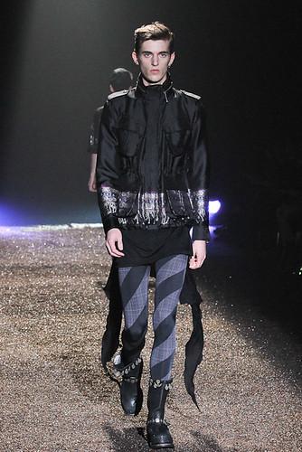 SS11_Tokyo_@IZREEL026_Gabriel Gronvik(Fashionsnap)