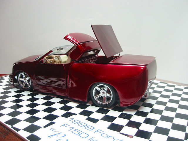 ford scale top convertible pickup f150 motors lightning tamiya gears svt 125 revell retractible