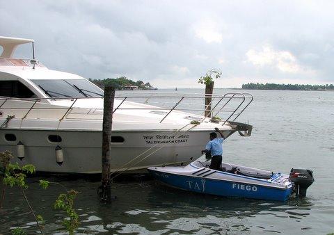 Yacht and powerboat,Taj Malabar,Kochi Kerala 260807