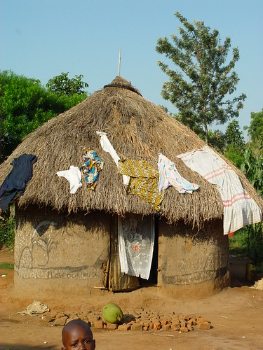 mud hut in kenya
