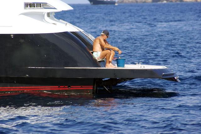 Pescando sull'umile barchetta