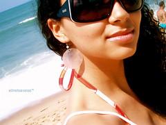 poser feriado na praia (alineioavasso) Tags: summer beach girl sunglasses glasses garota culos linelica alineioavasso