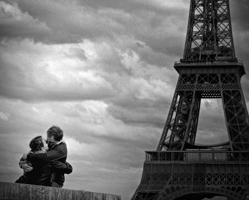 Le Baiser de la Tour Eiffel (. ADRIEN .) street paris france tower love beauty smile de la photo kiss couple peace tour shot amor candid eiffeltower picture cartier eiffel romance le amour bisou toureiffel lover rue trocadero bresson adrien ronis baiser parigi amoureux troca doisneau champslyses trocadro romantisme bisous baisers romantism humaniste poumpidou adriensangleferriere adriensanglferrire lebaiserdelatoureiffel streetphotographycandidstreetportrait