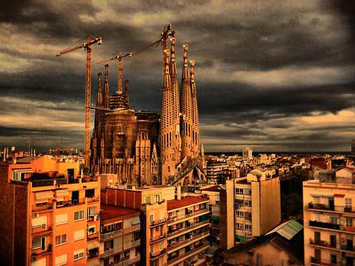[フリー画像] 建築・建造物, 教会・聖堂・モスク, 都市・街, サグラダ・ファミリア, 世界遺産, スペイン, 201011021300