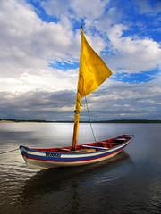 vela amarela no rio Preguias (Ns da Montanha) Tags: boat sail vela maranho cais lenismaranhenses cabur riopreguias ireneschmidt oltusfotos