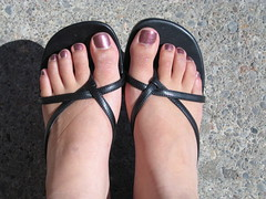 Sandals (chicgeekuk) Tags: laura feet toes purple sandals pedicure nailpolish kishimoto laurakishimoto laurakishimotoca