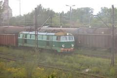 Veil of smoke (Rrrodrigo) Tags: poland railway krakw freight pkp prokocim et22 et22499