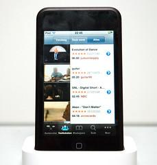 De iPod Touch heeft ook een snelkoppeling naar YouTube. Videoclips kijken via de Wi-Fi-verbinding gaat vrijwel zonder enige hapering.