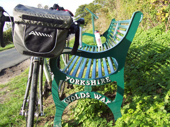 altura_orkney_handlebar_bag_adaptors_yorkshire_wolds_bench