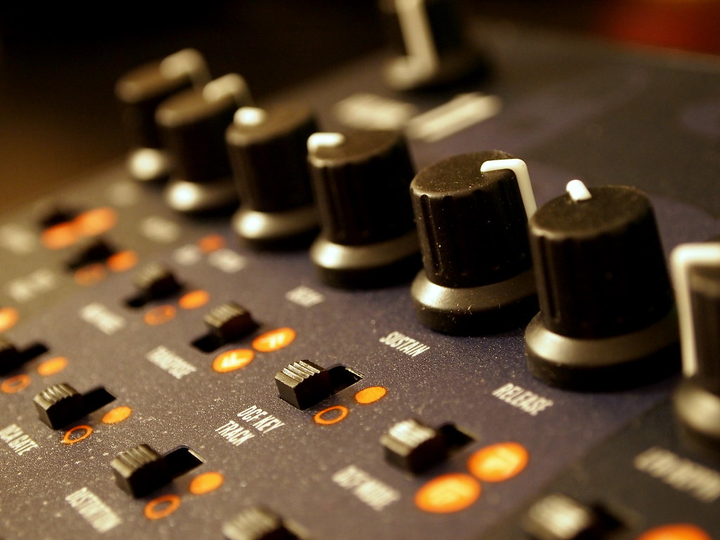 The World's Best Photos of avr and synthesizer - Flickr Hive