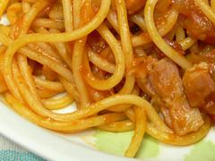 パンチェッタ入りスパゲティ・アマトリチャーナ