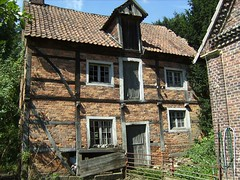 The old shed (Spieker) (krismo_pompas) Tags: farmhouse farm oldhouse bauernhof simplelife westfalen timberframing spieker buldern
