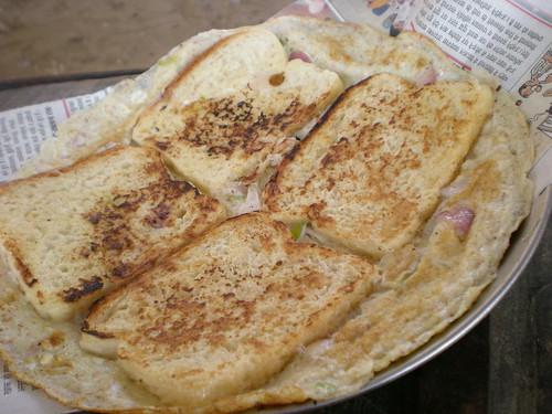 omelet & bread