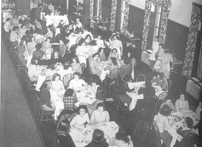 Students eat dinner in Main Building.
