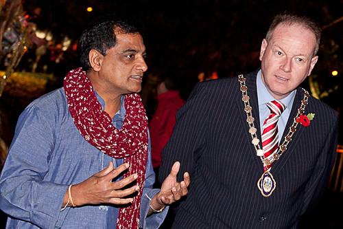 Dr. Singhal, Board Member of ArtsEkta and Deputy Lord Mayor William Humphreys