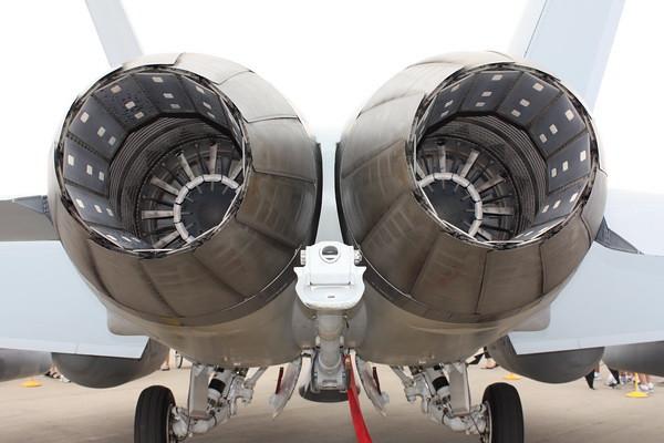 EAA10_EA-18G_31