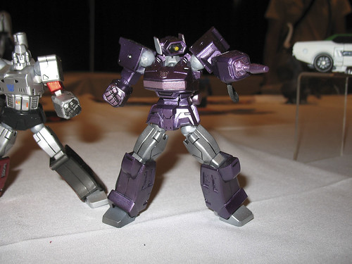 Botcon - Day 3 - A phenomenal custom Revoltech Shockwave