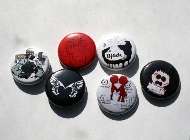 Значки Alf, Radiohead, Bjork, Placebo