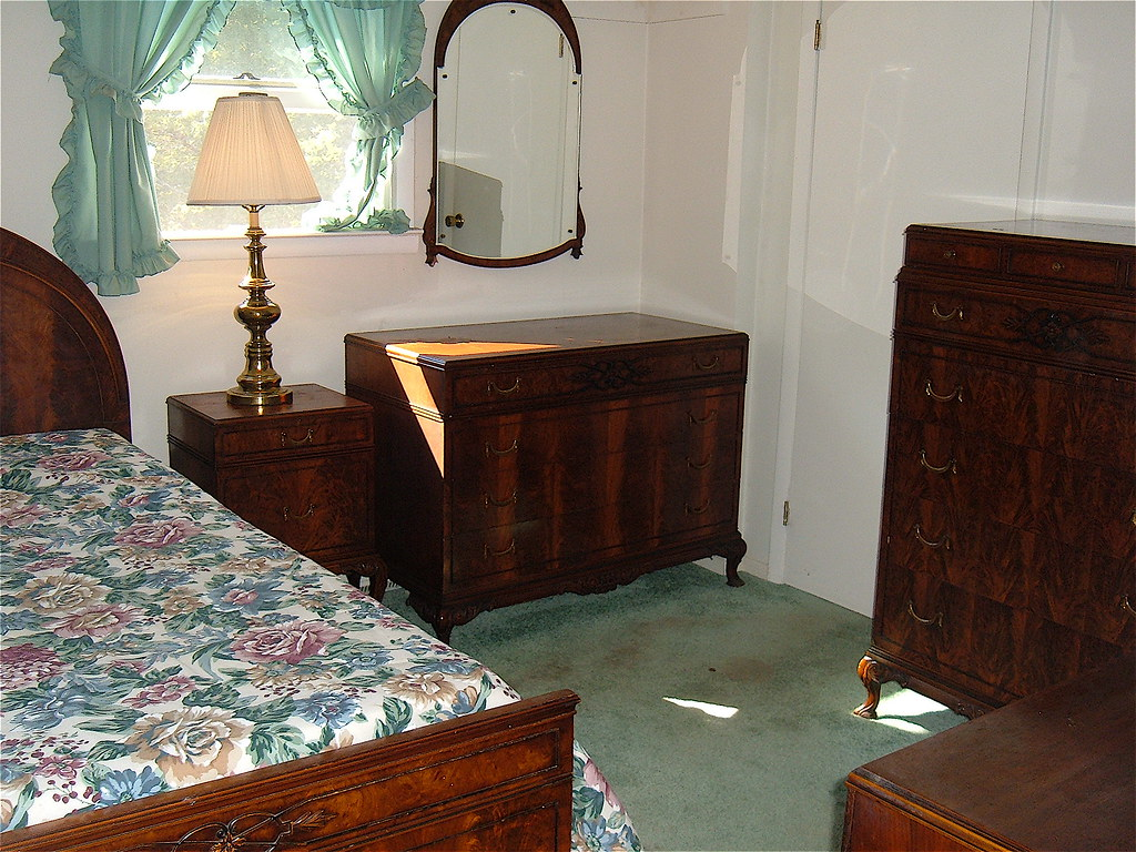 Bedroom Furniture Set Circa 1920 Made By Landstrom Company Rockford Illinois Elished 1879 Includes Three Complete Single Beds With Side
