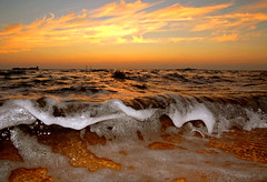 sunset waves (carlos jm) Tags: light sunset red sea summer sky espaa sun castle sol beach water beer colors yellow sunrise landscape atardecer golden evening mar amazing interesting spain agua nikon bravo holidays warm colours afternoon cerveza breath wave playa colores andalucia fresh explore reflect cielo foam reflejo verano cadiz cerveja d200 birra soe castillo foamy ola dorado oceano oro espuma respiro eow sanctipetri outstandingshots mywinners abigfave impressedbeauty superaplus aplusphoto