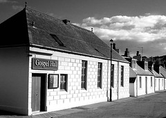 cullen - moray - scotland (~ paddypix ~) Tags: blackandwhite photoshop buildings scotland churches picasa doorsandwindows morayfirth moodyblues ukandireland iusedpicasa urbanside