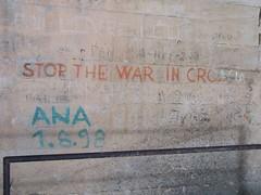 Felhvs / Call (aaliban) Tags: concrete graffiti war croatia bunker vis beton hrvatska horvtorszg hbor felirat falfirka tengeralattjr surmarine