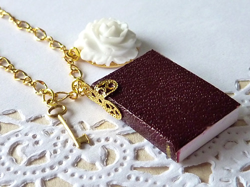 Mini Notebook Journal with English Rose and Key Necklace. 3D. Miniature.
