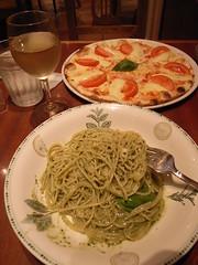 Spaghetti and pizza