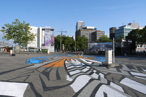 huge graffiti on Binnenrotte square