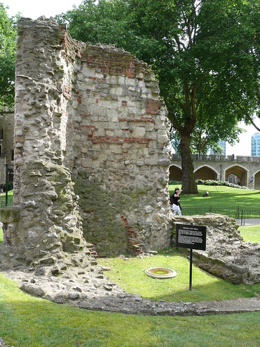 3. Roman wall in the grounds of the Tower