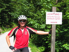 it's me!!! :-) (twinni) Tags: alps salzburg bike austria sterreich mountainbike mtb kurve scharf kurven fiftyfifty scharfe saalach tauernradweg mw1504 radfahrtour austriaradfahrtour