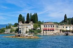 Parco Baia delle Sirene (Lake Garda) (faxao) Tags: lake boats lago garda sailing barche vela sanvigilio ishares centomiglia baiadellesirene flickrelite extreme40
