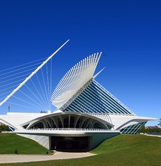 Support the arts (Mandana (on and off)) Tags: architecture bravo calatrava milwaukeeartmuseum mam magicdonkey aplusphoto theperfectphotographer