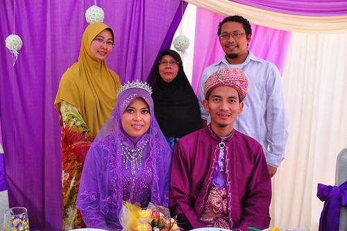Adik, Ibu and Zidni