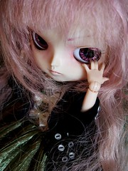 """""""All work and no play makes jack a dull boy."""" (Queen Carcharias  Libuse) Tags: pink green eye strange doll dal full wig pullip shining ceniza custo cinnamoroll coolcat"""
