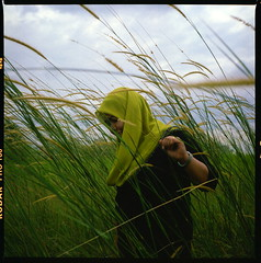 (alemershad) Tags: green 120 6x6 tlr film analog mediumformat kodak hijab malaysia mf analogue manual putrajaya milf yashica hijau fju twinlensreflex lalang dba 160 yashicamat124g tudung filem ektacolor alem vescan wilayahpersekutuanputrajaya alemershad malaysiaindah presintdiplomatik canonscan9000f nooradibah