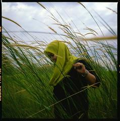 (alemershad™) Tags: green 120 6x6 tlr film analog mediumformat kodak hijab malaysia mf analogue manual putrajaya milf yashica hijau fju twinlensreflex lalang dba 160 yashicamat124g tudung filem ektacolor alem vescan wilayahpersekutuanputrajaya alemershad malaysiaindah presintdiplomatik canonscan9000f nooradibah