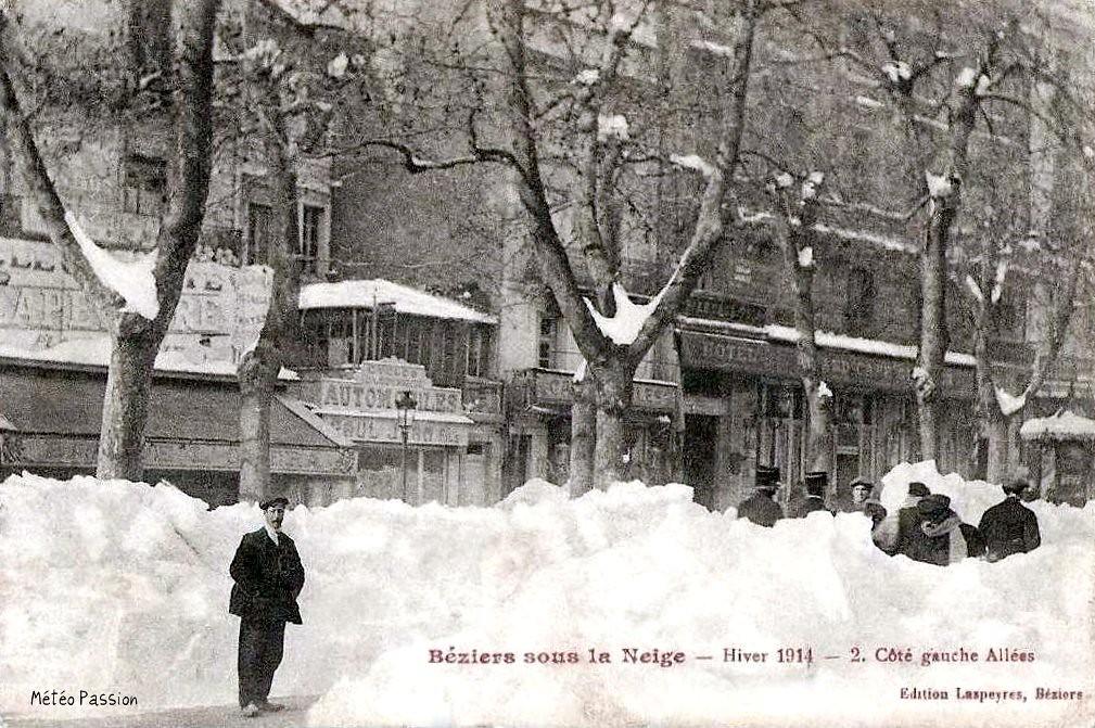 amas de neige sur les allées Pierre-Paul Riquet à Béziers en janvier 1914
