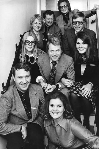 1974 Folkets hus resebyrån har besök av Lasse Lönndahl mm