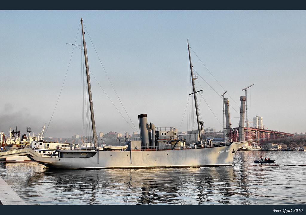 фото: The Soviet Pacific Fleet's First Warship Krasniy Vympel. 1923-1958. Сторожевой корабль ТОФ