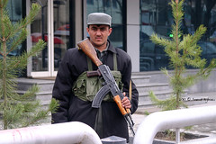Afghan guard (Saeid Aghaei) Tags: travel afghanistan man soldier gun guard police bank security afghan saeid kabul armed       aghaei