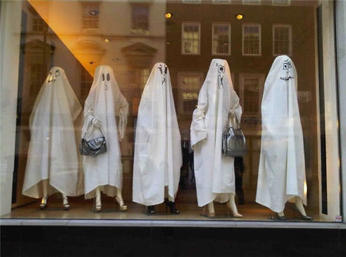 stella_mccartney_halloween_ghosts_2010