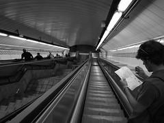 (...uno che passava... (senza ombrello)) Tags: madrid urban bw station subway metro bn stazione nonluoghi nonplace nonlieux bncitt metropolitanvisions