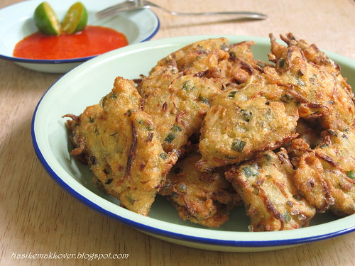 Cekodok (Cucur) Ikan Bilis / anchovies savoury fritters