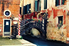 (  | Ruba , [ AWAY ]) Tags: bridge flowers venice italy river lights d ruba 5laa9
