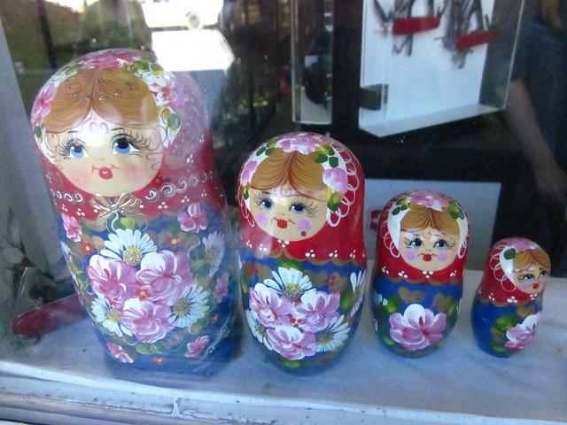 Nesting dolls.
