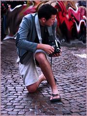 @ction  ( Popotito ) Tags: camera paris france lens photo europe foto photographer action lente francia camara poses fotografo behindthelens accion cazar  cazadorcazado popotito enaccion livinglifebehindthelens ction fotografiandofotografos